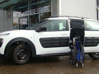 am nagement de votre voiture personnes avec handicap. Black Bedroom Furniture Sets. Home Design Ideas